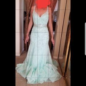 Mac Duggal sea foam green prom dress, size 4